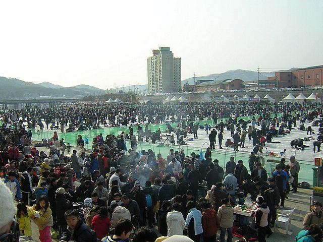 Fajny piątek – Korea się bawi.
